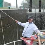 Gewitterregen beim Schleusen der MS Sydney