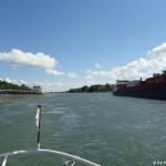 Morgenverkehr auf dem Rhein